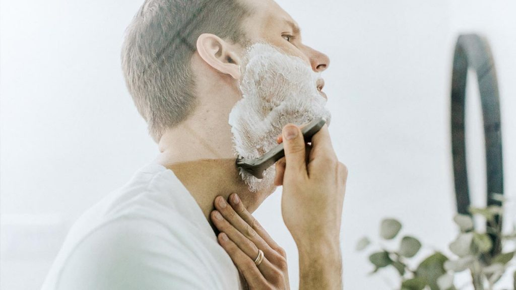 Best Men's Shaving Set to take on Holiday